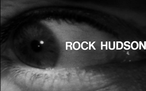 تیتراژ خوب فیلم، ما را یاد تیتراژ فوق العاده ی فیلم ضعیف «جزیره دکتر مورو» اثر دیگری از فرانکن هایمر می اندازد.