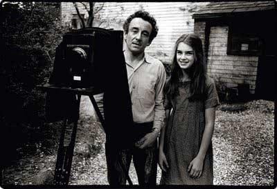 لوئی مال و بروک شیلد، پشت صحنه ی « بچه ی خوشگل »، فیلمی که در آن بروک شیلدِ کوچک، نقشی جسارت آمیز ایفا می کند