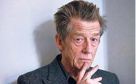 جان هارت، 40 بار مرده و به نظر می رسد رکورد بیشترین مُردن در فیلم ها متعلق به او باشد. آخرین مُردنش مربوط است به فیلم « تعمیرکار، خیاط، سرباز، جاسوس ».