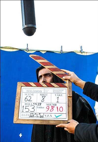 از پشتِ کلاکت؛ « ملک سلیمان »: هیچ وقت حال و حوصله نداشتم فیلم را ببینم. بعید هم هست دیگر ببینمش.