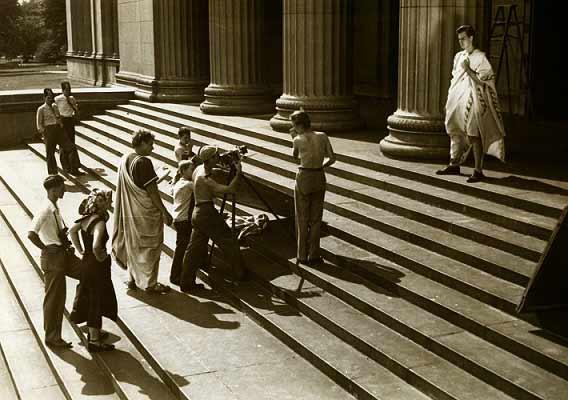 چارلتون هستون در ژولیوس سراز. سال 1950.