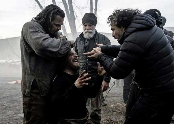 وقتی دیکاپریو میخواهد پوست سر تام هاردی را بکند و ایناریتو هم تشویق میکند! ازگوربرخاسته.