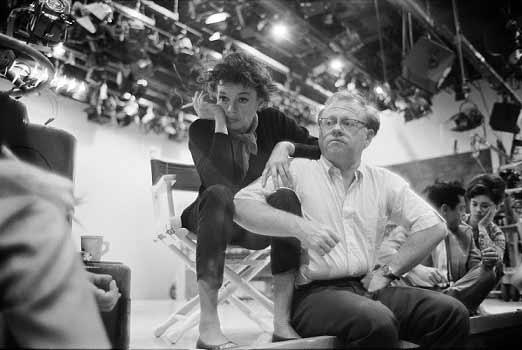 عکس جالبی از جودی گارلند و میکی رونی پشت صحنهی برنامهی تلویزیونی گارلند در کانال CBS تلویزیون آمریکا. سال 1963